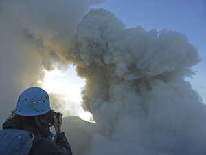 Eruption du Dukono