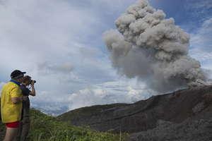éruption volcan Ibu